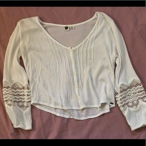Boho white top with detailed sleeves